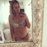 MLST ENTERTAINMENT:Daphne Oz Snaps a Bikini Selfie While Revealing Her Healthy Weight-Loss Goals