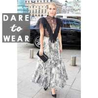 MLST ENTERTAINMENT:Emma Roberts' Lace Top Is the Statement Piece Every Wardrobe Needs