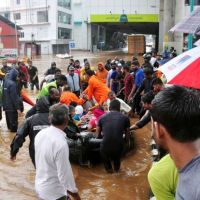 MLST NEWS:324 dead and thousands homeless as worst flooding in 100 years hits India