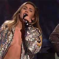 Miley Cyrus risks a nip slip on 'Saturday Night Live'