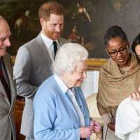 More royal visit to Prince Archie.